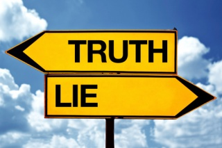 Truth and Lie signs